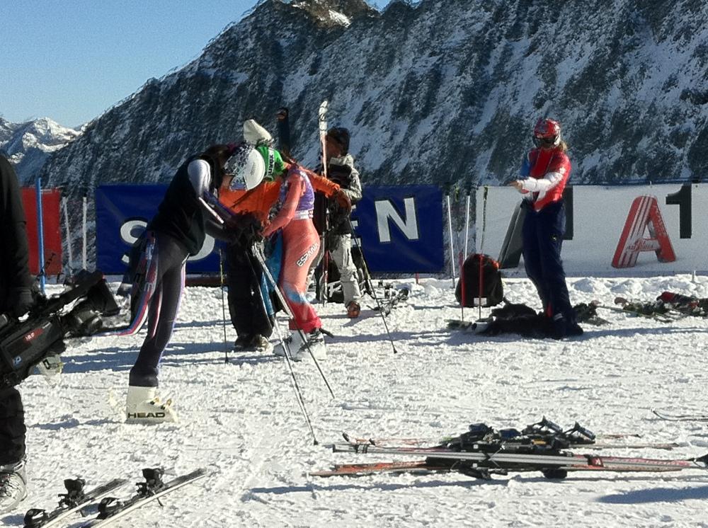 Startklar beim FIS Ski World Cup Opening Sölden 2011-12 am Rettenbacher