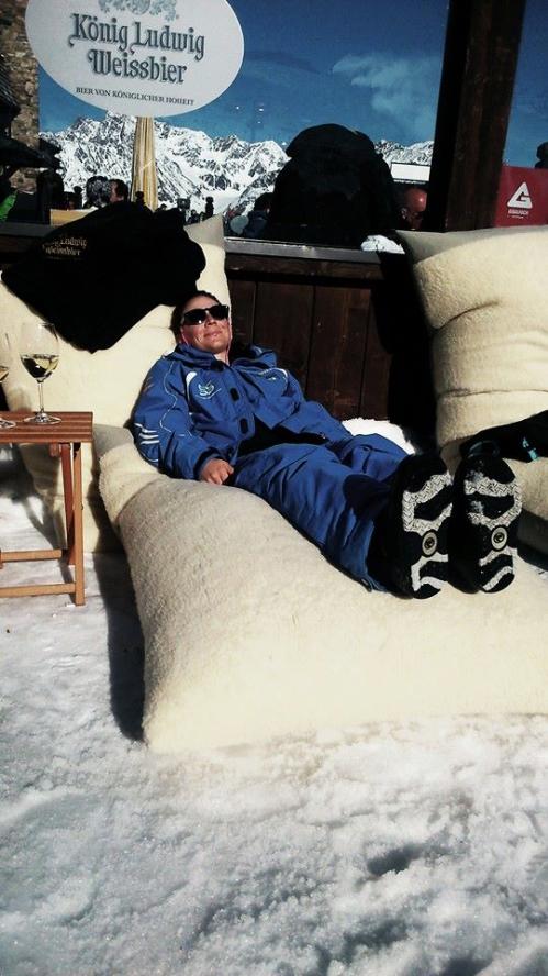 """Die Sonne genießen in der Chillisy® Mountain Lounge - """"Go for Gold"""" in Sölden am Giggijoch"""