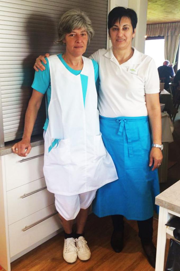 Die Arbeitsbekleidung wurde den chillisy® Farben angepasst :-)