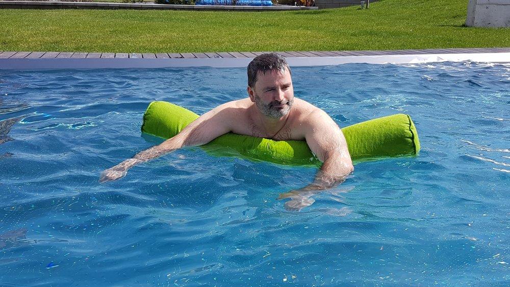 Die XXL Schwimmnudel von chillisy im Test