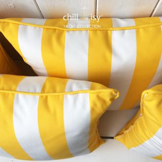 Witterungsbeständige Outdoor Kissen im Streifendesign der Kollektion YACHT by chillisy